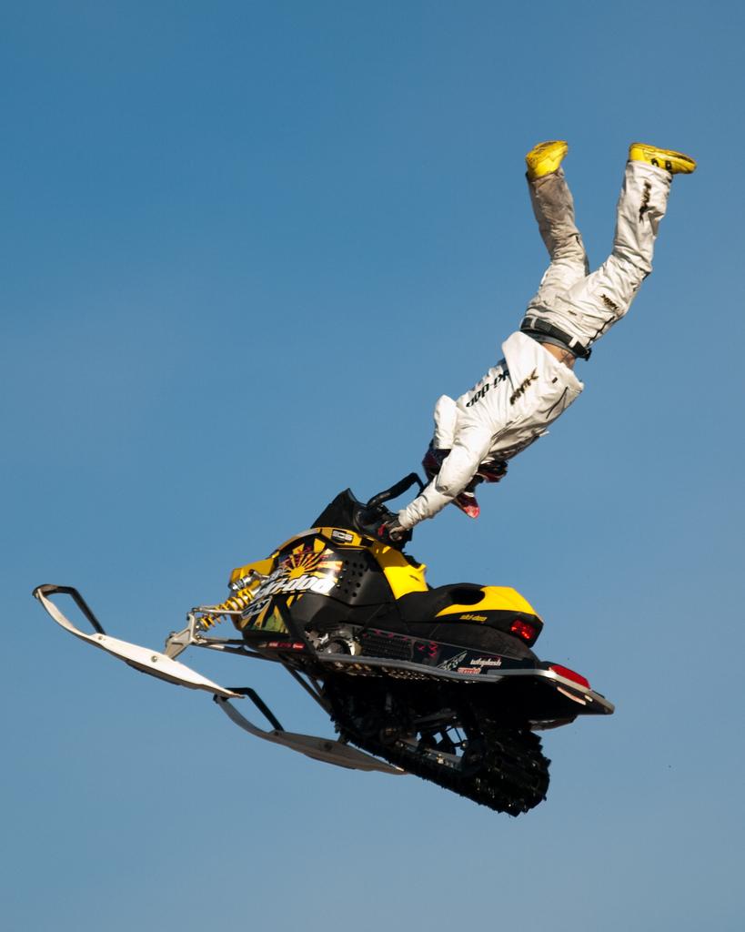 ski doo snowmobiles3 X treme Skidoo Show