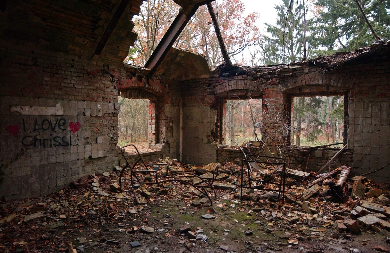 beelitz heilstatten12 Abandoned Beelitz Heilstatten Hospital