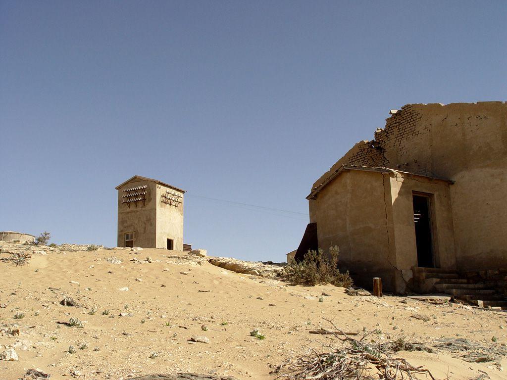 kolmanskop4 Abandoned Kolmanskop Ghost Town in Namibia