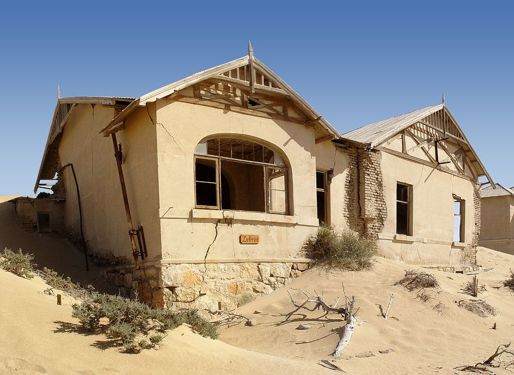 kolmanskop5 Abandoned Kolmanskop Ghost Town in Namibia
