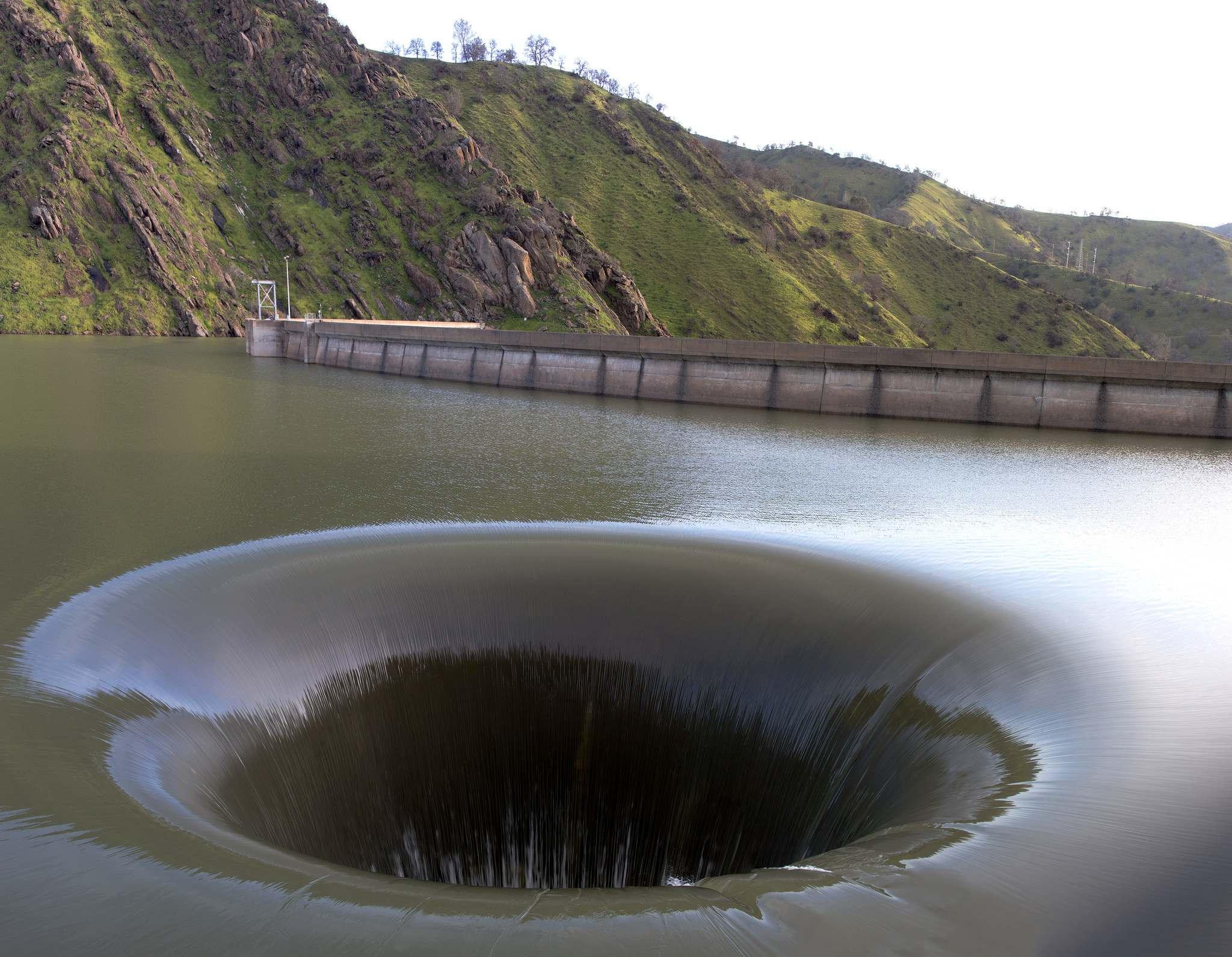 glory hole2 Glory Hole of Berryessa Lake