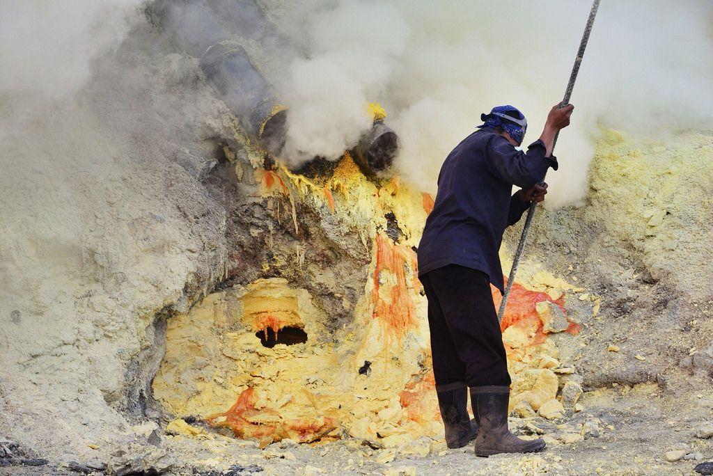 kawah ijen Sulfur Mine   Kawah Ijen, Indonesia