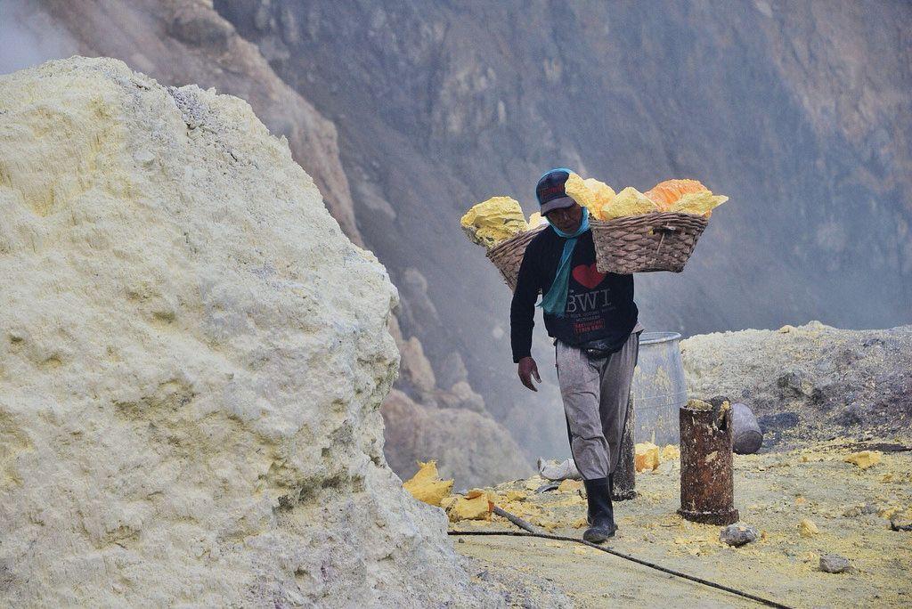 kawah ijen6 Sulfur Mine   Kawah Ijen, Indonesia