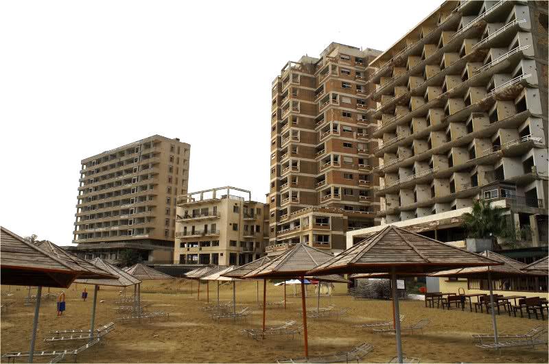 varosha ghost town2 Varosha Ghost Town in Cyprus