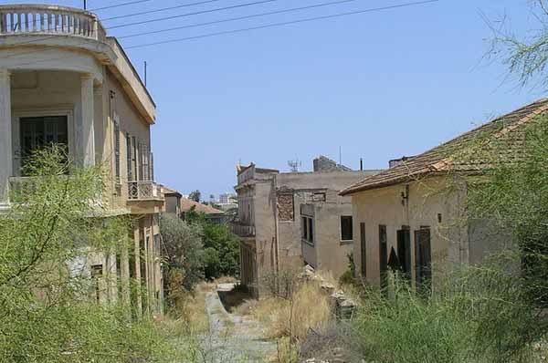varosha ghost town7 Varosha Ghost Town in Cyprus