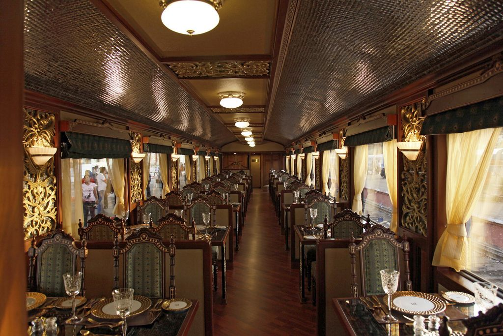maharaja express Maharajas Express   One of the Most Luxurious Trains in World