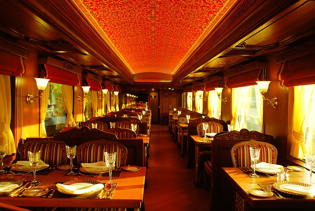 maharaja express4 Maharajas Express   One of the Most Luxurious Trains in World