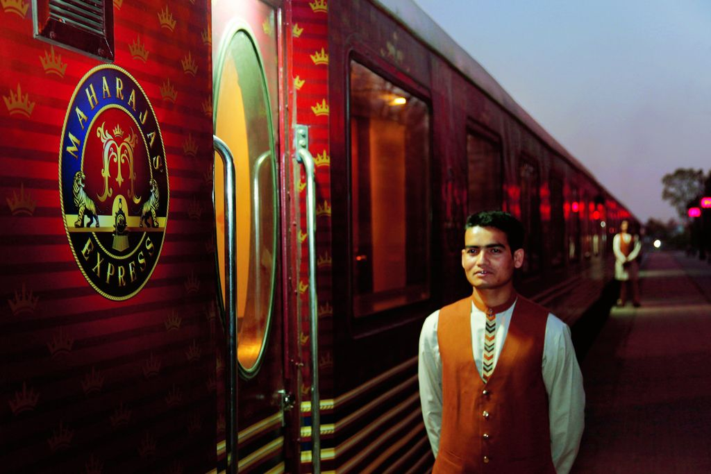 maharaja express5 Maharajas Express   One of the Most Luxurious Trains in World