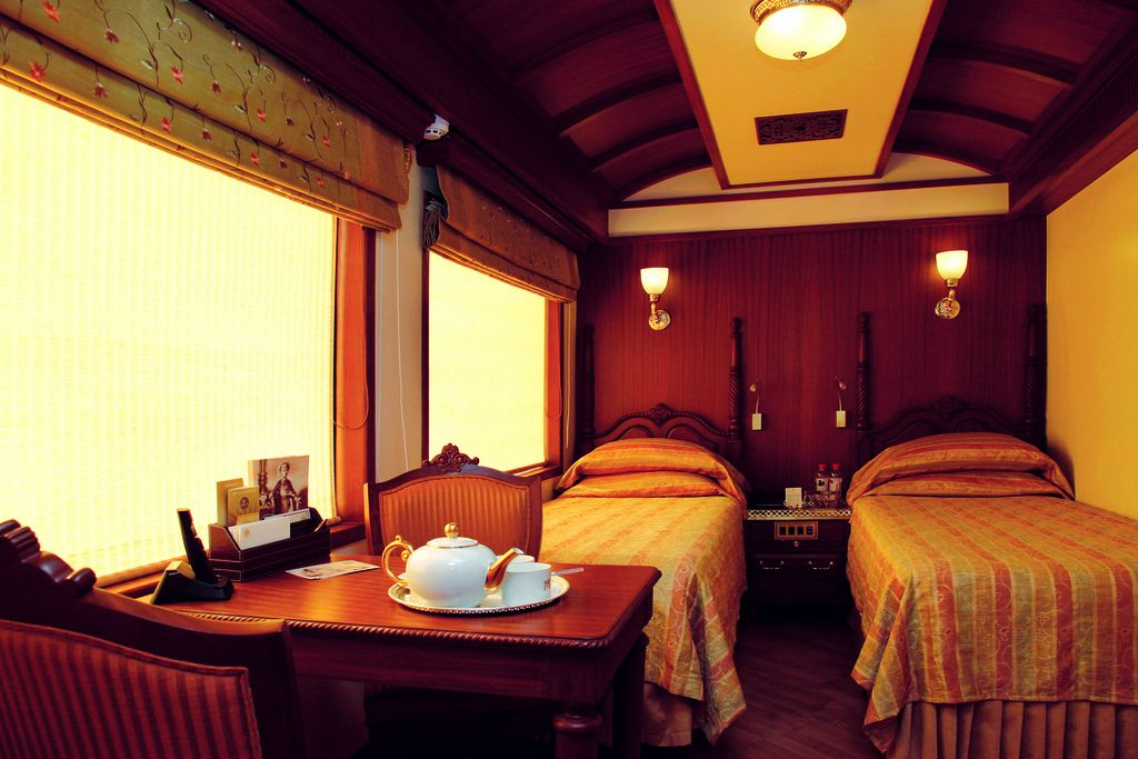 maharaja express7 Maharajas Express   One of the Most Luxurious Trains in World