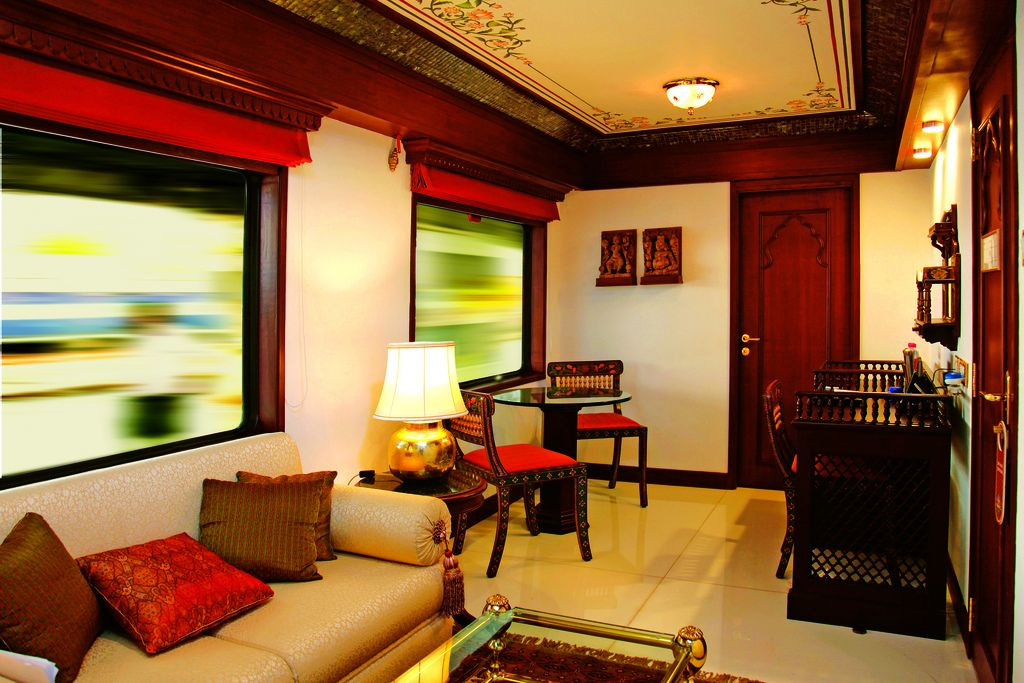 maharaja express9 Maharajas Express   One of the Most Luxurious Trains in World