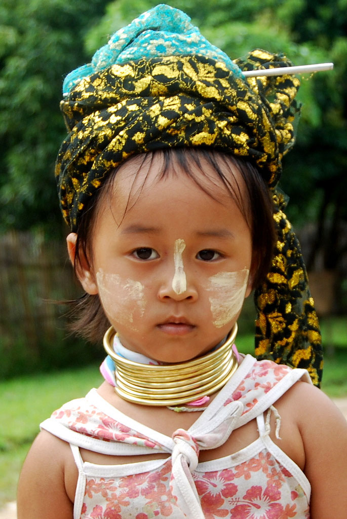 kayan9 Long Necked Padaung Tribe