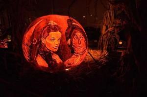 halloween pumpkins jack o lantern 16 300x199 Funny Pumpkin Faces Creations