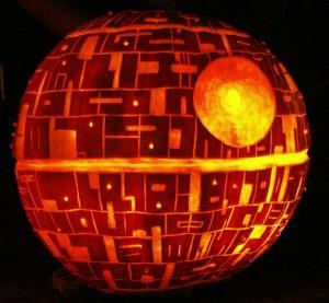 halloween pumpkins jack o lantern 31 300x277 Funny Pumpkin Faces Creations