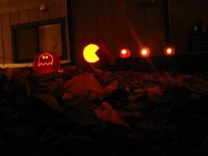 halloween pumpkins jack o lantern 6 300x225 Funny Pumpkin Faces Creations