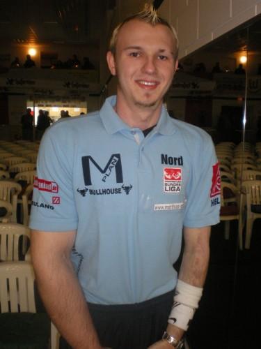 armwrestling 02 375x500 Armwrestling Champion Matthias Schlitte