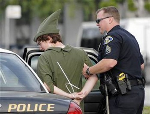 funny caught in costume 10 500x381 Funniest Costumes to Get Arrested in