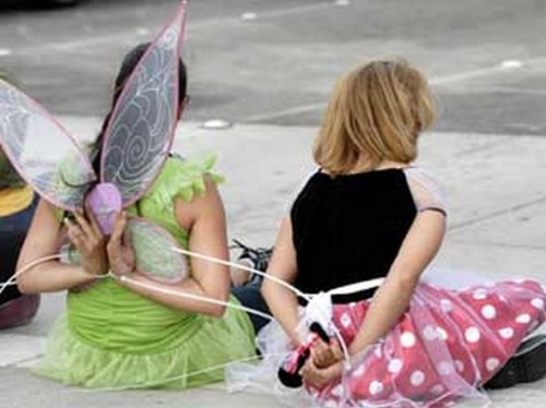 funny caught in costume 15 500x374 Funniest Costumes to Get Arrested in